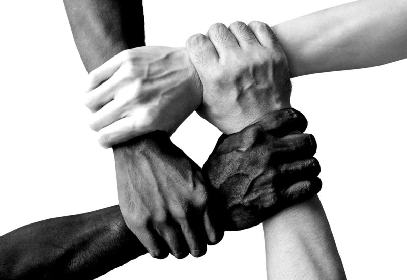 hand-1917895_1920-blackwhite